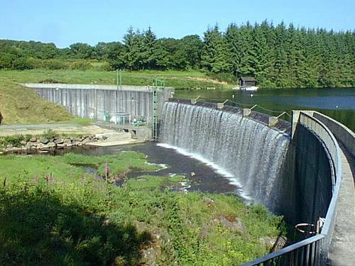 Barrage de Kerne Uhel à Trémargat